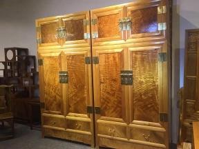金丝楠木顶箱柜
